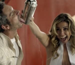 Romero e Atena fazem a festa juntos (Foto: TV Globo)