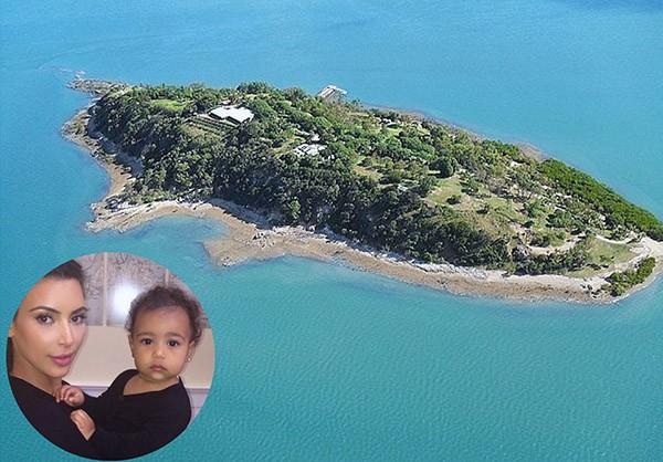 North West e Kim Kardashian – Turtle Island, Australia (Foto: Privateislandsonline.com / Instagram)