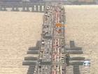 Vento forte obriga veículos a reduzir velocidade na Ponte Rio-Niterói