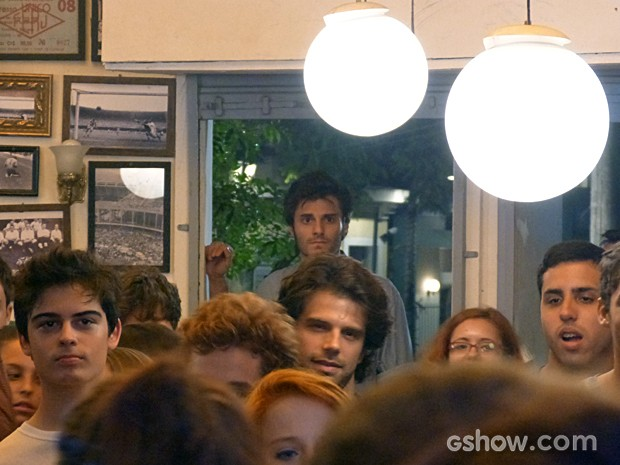Martin em choque com a apresentação de Micaela  (Foto: Malhação / TV Globo)