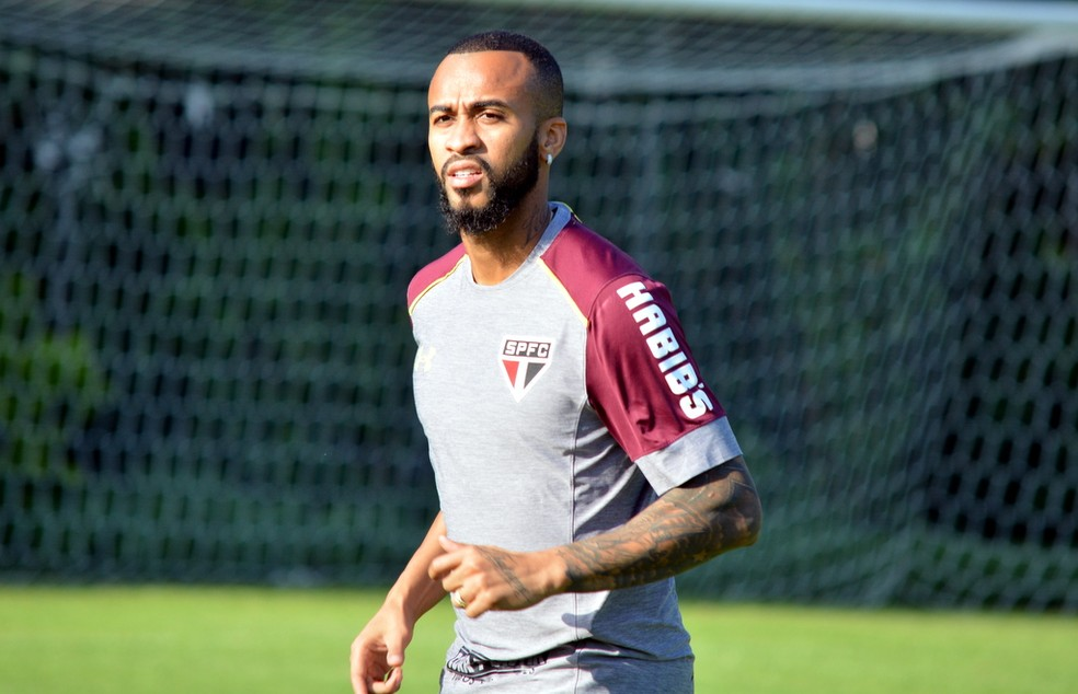 Wesley será titular da lateral-direita no próximo domingo (Foto: Érico Leonan / saopaulofc.net)