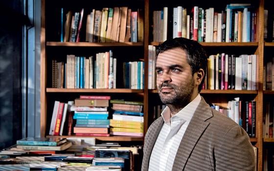 Carlos Andreazza editor da Record (Foto:  Guito Moreto / Agência O Globo)