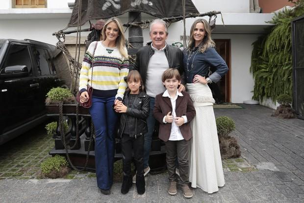 Otávio Mesquita no aniversário do filho Pietro (Foto: Rafael Cusato/Brazil News)