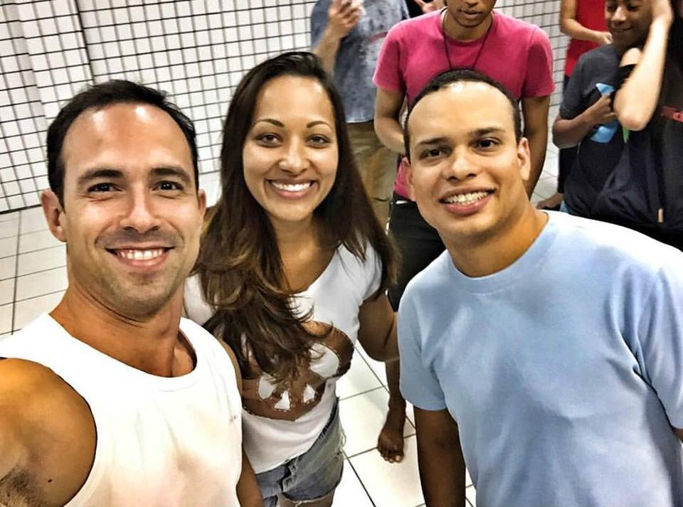 Fabio Linhares, Fabíola de Paula e Roges Santana nos bastidores das aulas (Foto: Arquivo Pessoal)