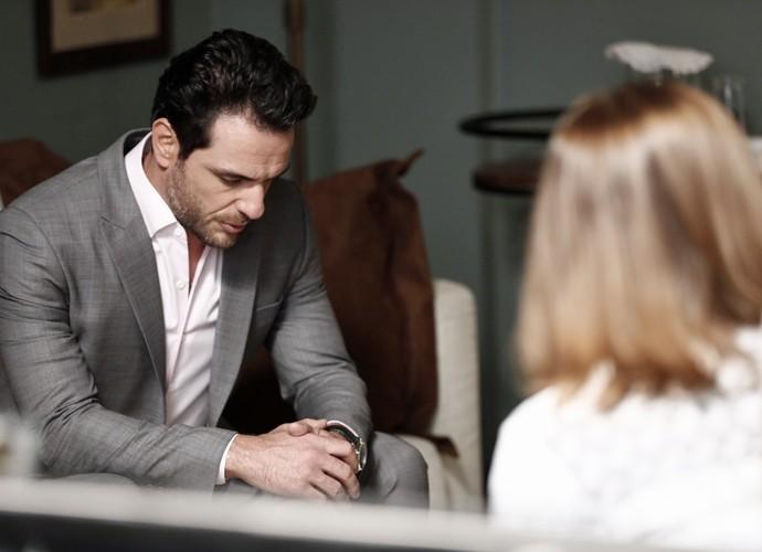 Alex desabafa com terapeuta (Foto: Inácio Moraes/ Gshow)