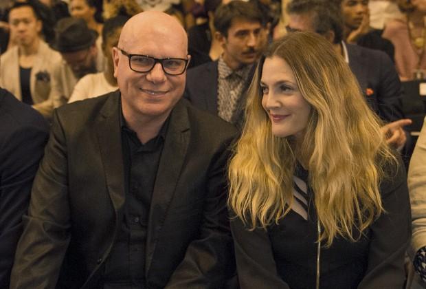 Drew Barrymore se sentou ao lado do dono da marca, Mario Spaniol (Foto: Divulgação)