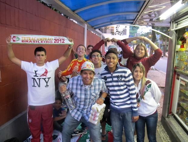 Torcedores fila laranjeiras Fluminense (Foto: Rafael Cavalieri / Globoesporte.com)