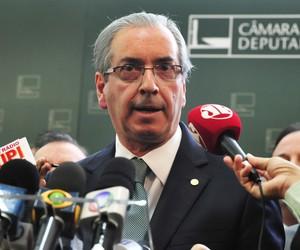 Câmara recebe 12º pedido de impeachment contra Dilma