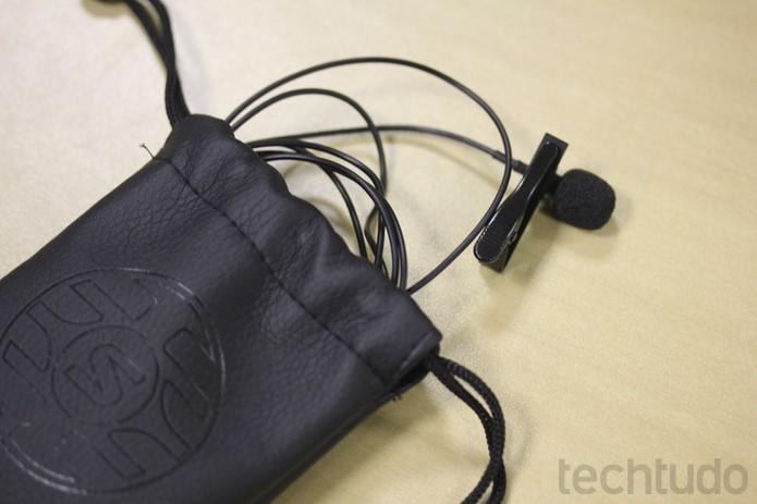Shure Lapela MVL é super prático, leve, pequeno e se conecta ao seu celular (Foto: Melissa Cruz / TechTudo)