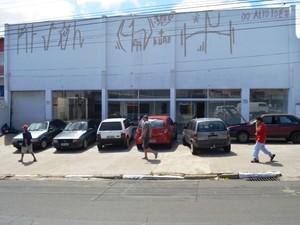 Subprefeitura ficará em rua paralela ao terminal rodoviário do Ouro Verde, em Campinas (Foto: Fernando Pacífico / G1 Campinas)