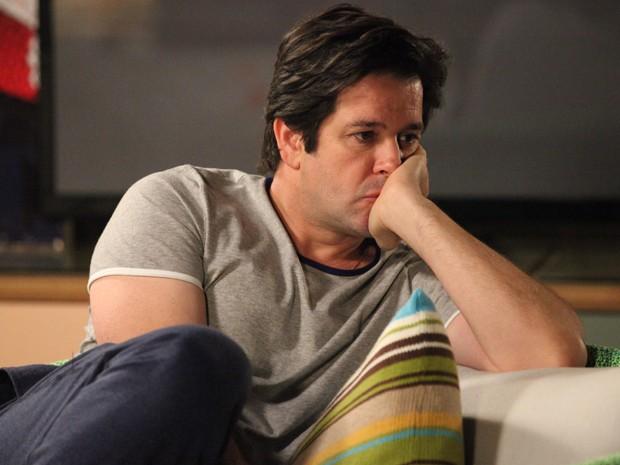 Jonas não consegue acreditar que Davi é seu filho (Foto: Carol Caminha/Gshow)