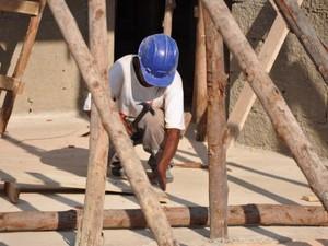 Há vagas para carpinteiro e no ramo da construção civil em geral (Foto: Arquivo/ Secom-ES)