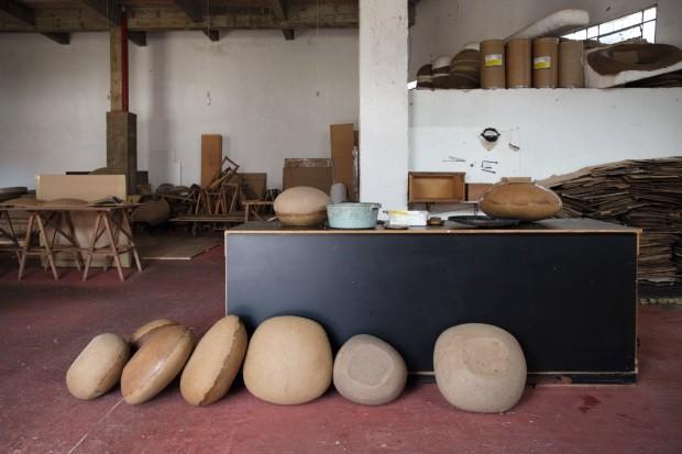 Domingos Tórtora e Rodrigo Ambrosio lançam coleção de móveis e luminárias (Foto: André Klotz)