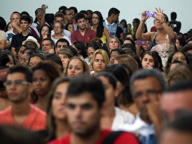 Debate com Yoani Sanchéz em Feira de Santana, na Bahia (Foto: Egi Santana/G1)