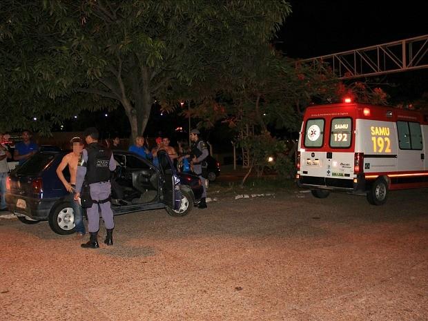 Mulher foi atropelada enquanto tentava atravessar avenida, diz polícia (Foto: Marcos Dantas/G1 AM)