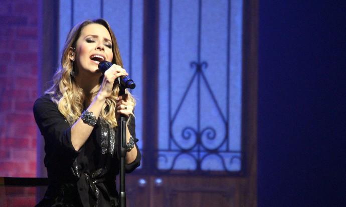 """Sandy emocionou Curitiba com o show """"Meu Canto""""  (Foto: Lucas Sarzi)"""