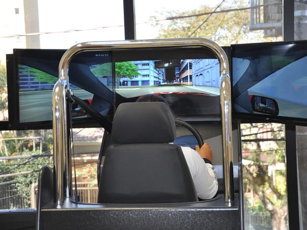 Simulador de direção Detran RS (Foto: Renata Tornin/Divulgação Detran-RS)