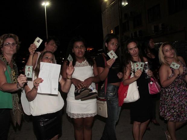 Fãs não conseguem assistir a show de Luan Santana no Rio (Foto: Isac Luz/ EGO)