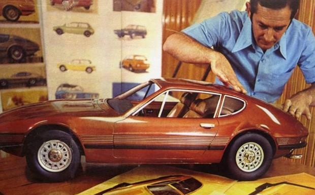 Marcio Piancastelli durante a fase de projeto do VW SP2, nos anos 70 (Foto: Volkswagen)