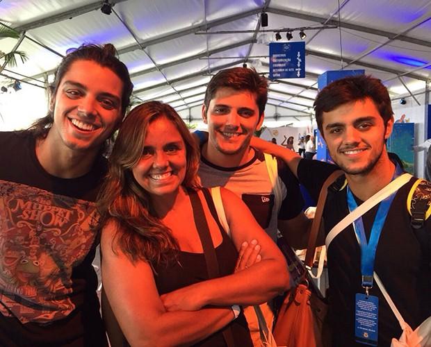 Ana Paula Sang com os filhos (na ordem) Rodrigo Simas, Bruno Gissoni e Felipe Simas (Foto: Arquivo Pessoal)