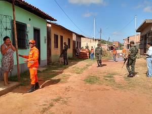 Órgãos fazem vistoria em bairros do Bacanga, em São Luís (MA) (Foto: Douglas Pinto / TV Mirante)