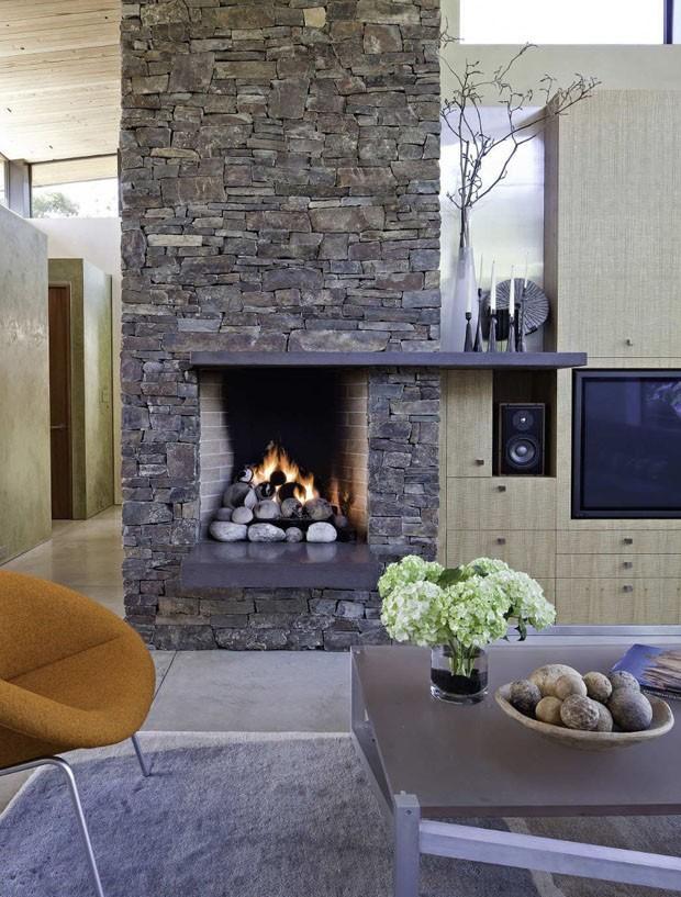 10 lareiras para esquecer o frio casa vogue interiores - Revestimientos de chimeneas rusticas ...