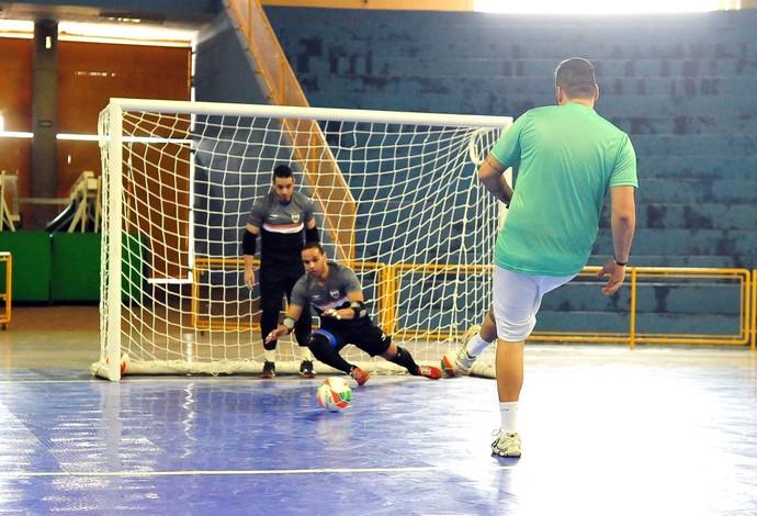Tomate Dudu Gian treino seleção brasileira futsal uberaba (Foto: Ricardo Artifon/CBFS)