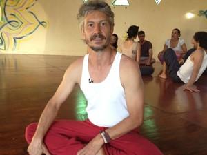 Laurent Dauzou, bailarino francês que montou uma escola de dança em Alto Paraíso de Goiás (Foto: Elisângela Nascimento/G1)