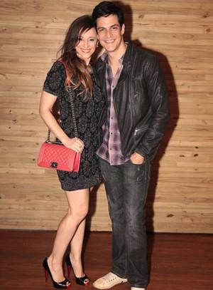 Mateus Solano com a mulher Paula Braun (Foto: Amor à Vida/TV Globo)