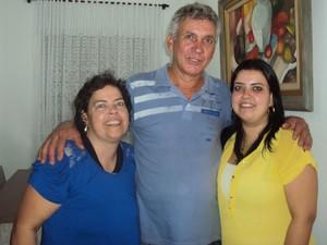 Rosimeire, Valdeci, seu marido, e Talita Grassi (Foto: Arquivo pessoal)