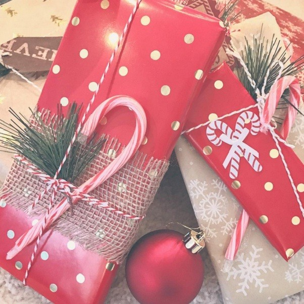 Presentinhos natalinos: quem não gosta, hein? (Foto: @angiepalclark / Reprodução Instagram)