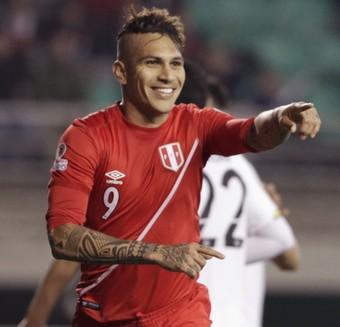 Guerrero comemora gol Peru x Bolívia (Foto: Reuters/Jorge Adorno)