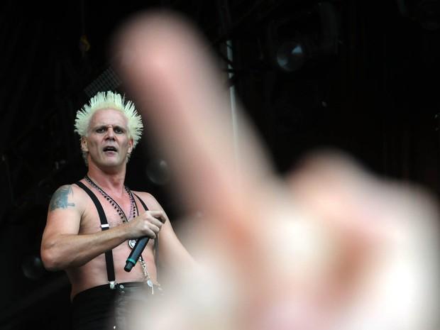 Supla pediu que plateia levantasse o dedo médio durante show do Brothers of Brazil (Foto: Alexandre Durão / G1)