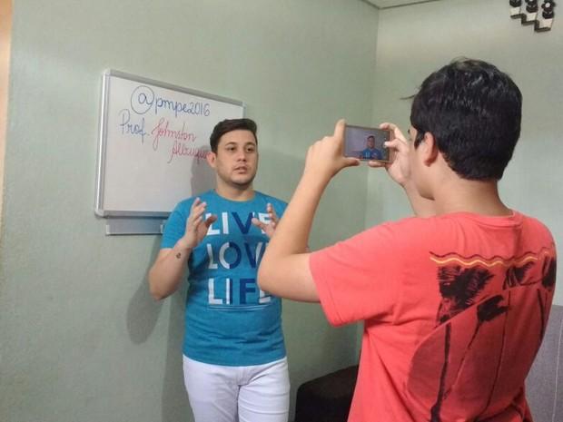 Johnston é estudante de medicina e dá dicas de português para concurseiros (Foto: Divulgação/Arquivo Pessoal)