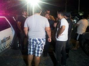 Arrastão aconteceu em uma hamburgueria na noite desta quinta (23) (Foto: Sérgio Costa/Portal BO)