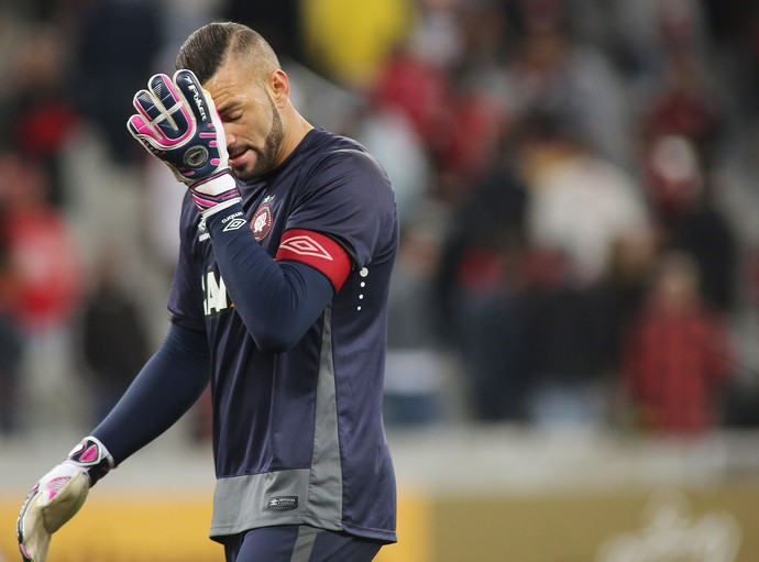 weverton atlético-pr x grêmio (Foto: Giuliano Gomes/PR Press)