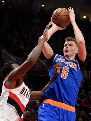 Kristaps Porzingis Blazers x Knicks NBA (Foto: Reuters)