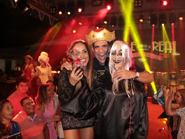 Carla Cristina e Durval Lellys em show em Salvador, na Bahia (Foto: Fred Pontes/ Divulgação)