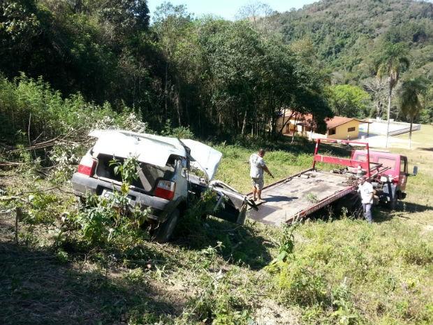 Mãe e filha morrem em acidente em São Roque (SP) (Foto: Divulgação / São Roque Notícias)