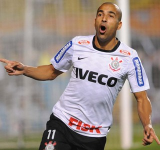 Emerson gol Corinthians Libertadores (Foto: Marcos Ribolli / Globoesporte.com)