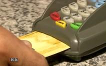 Emprestar cartão a terceiros requer cuidados