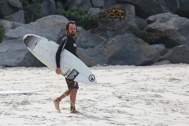 Paulo Vilhena na Prainha (Foto: Dilson Silva / Agnews)