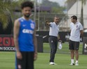 De novo titular, Cristian afirma que é capaz de render mais no Corinthians