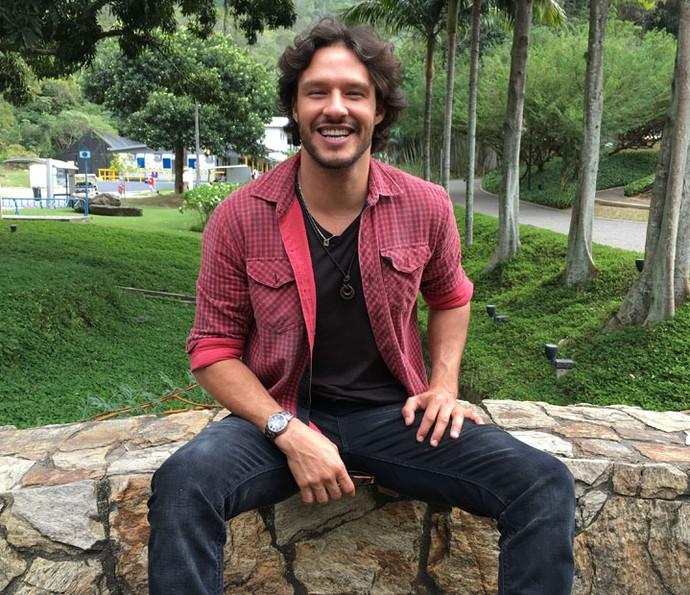 Nando Rodrigues revela curiosidades (Foto: Juliana Hippertt/Gshow)