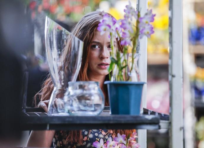 Marina Ruy Barbosa gravou em mercado de flores do Rio (Foto: Artur Meninea/ Gshow)