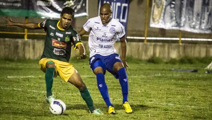 Estanciano venceu o Confiança por 2 a 0 no jogo de ida da semifinal (Foto: Filippe Araújo/FSF)