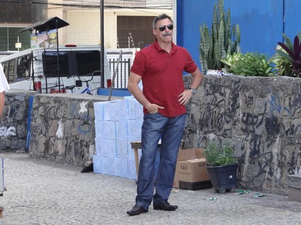Como Nunes, Oscar Magrini também estava no set (Foto: Salve Jorge/TV Globo)