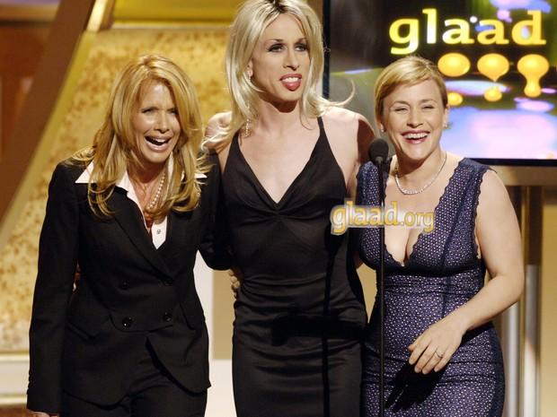 Da esquerda: as irmãs Rosanne Arquette, Alexis Arquette e Patricia Arquette no 17º Gay and Lesbian Alliance Against Defamation Media Awards em 2006 (Foto: AP Photo/Chris Pizzello)