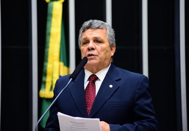 O deputado federal Alberto Fraga (DEM-DF), que integra a chamada bancada da bala (Foto: Nilson Bastian/Câmara dos Deputados)