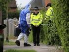 Jovem suspeito de assassinar família é encontrado morto em Oxford